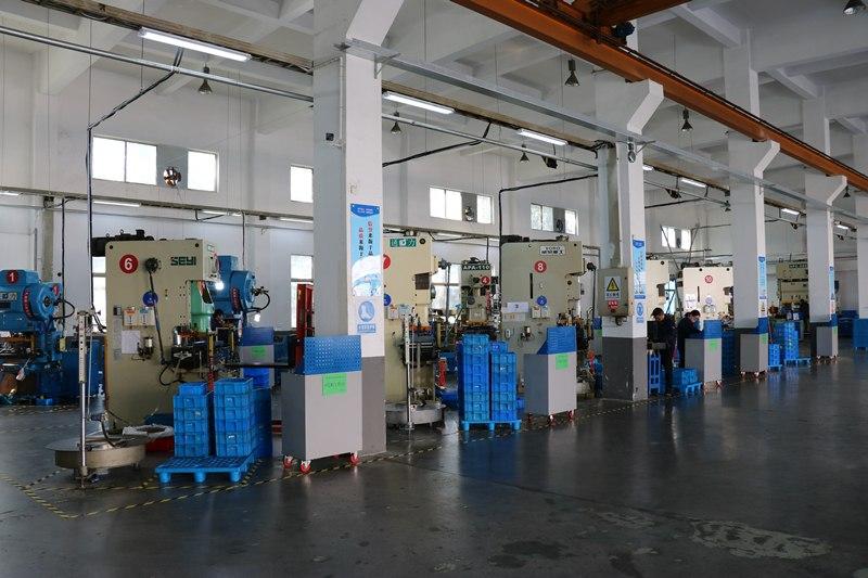 长丰机械:如何选择汽车冲压件加工厂来代工?-长丰机械冲压件